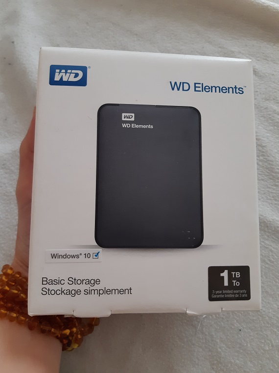 external hard drive WD 1TB Elements Portable External Hard Drive - USB 3.0 - WDBUZG0010BBK-WESN