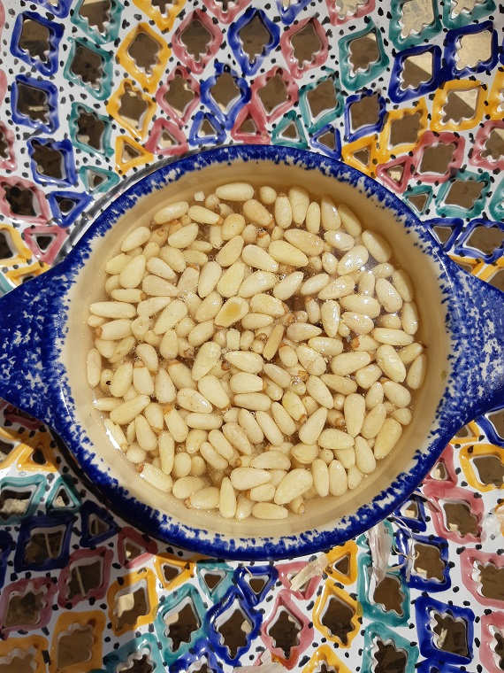 How to create a good salad dressing with pine nuts? #rawrecipe