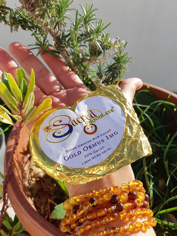Review of #SacredChocolate #raw #cacao heart with Ormus gold