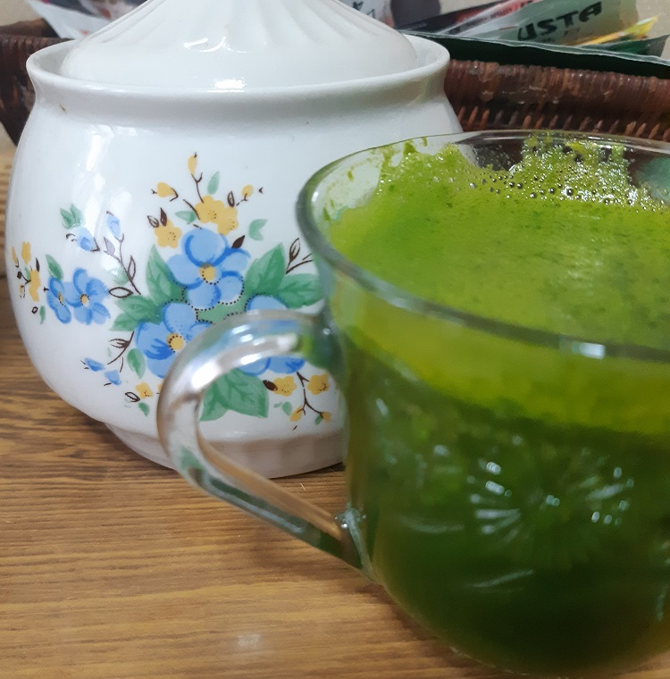 A #greenjuice with spinach and pumpkin or the perfect #winter recipe