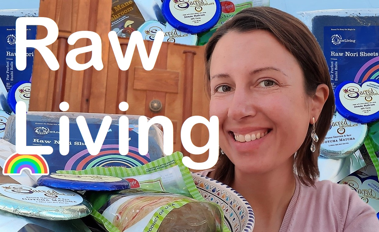 Raw Living unboxing #6 with nori #seaweed and raw #chocolate