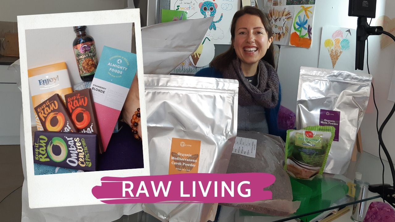 Unboxing Raw Living number 9 or raw chocolate and his buddy the delicious carob