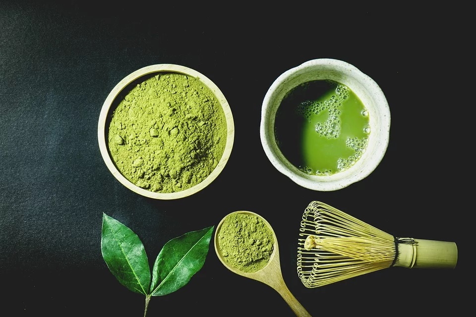 Strong green smoothie with Japanese macha powder
