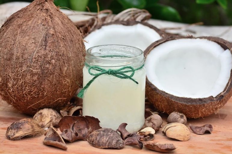How to make a toothpaste and a face scrub using coconut oil